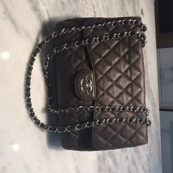 cfb59b3520e5 CHANEL Handbags - Chanel classic jumbo single flap bag